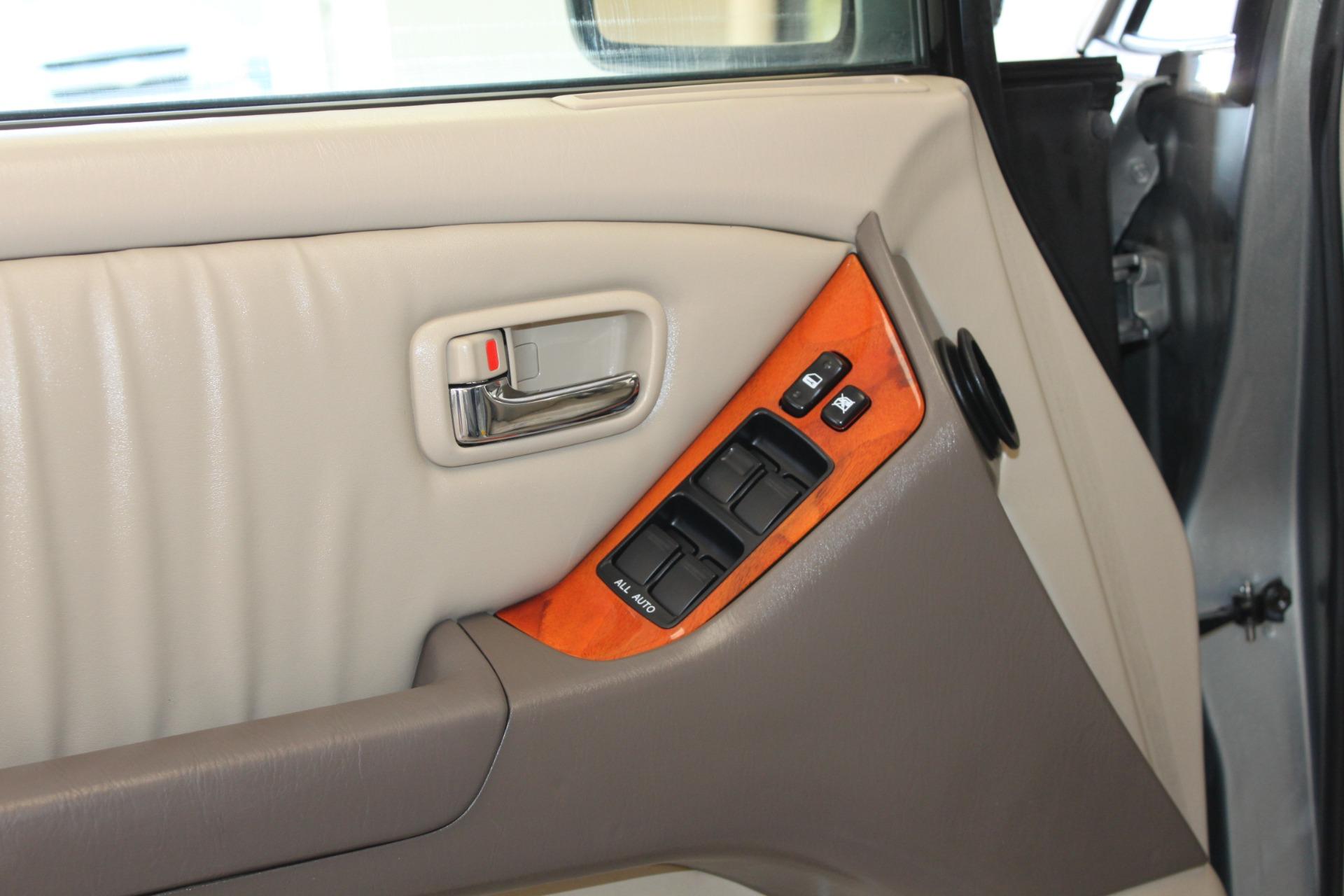 Used-2002-Lexus-RX-300-Ferrari