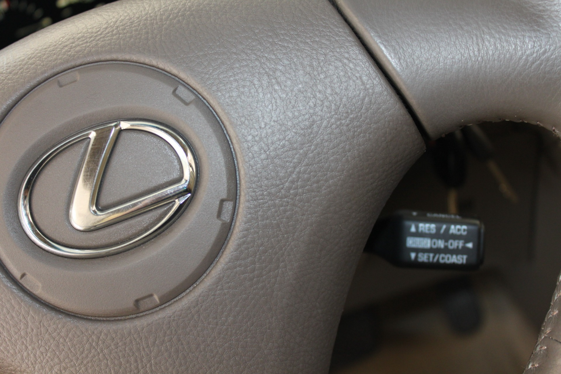 Used-2002-Lexus-RX-300-Collector