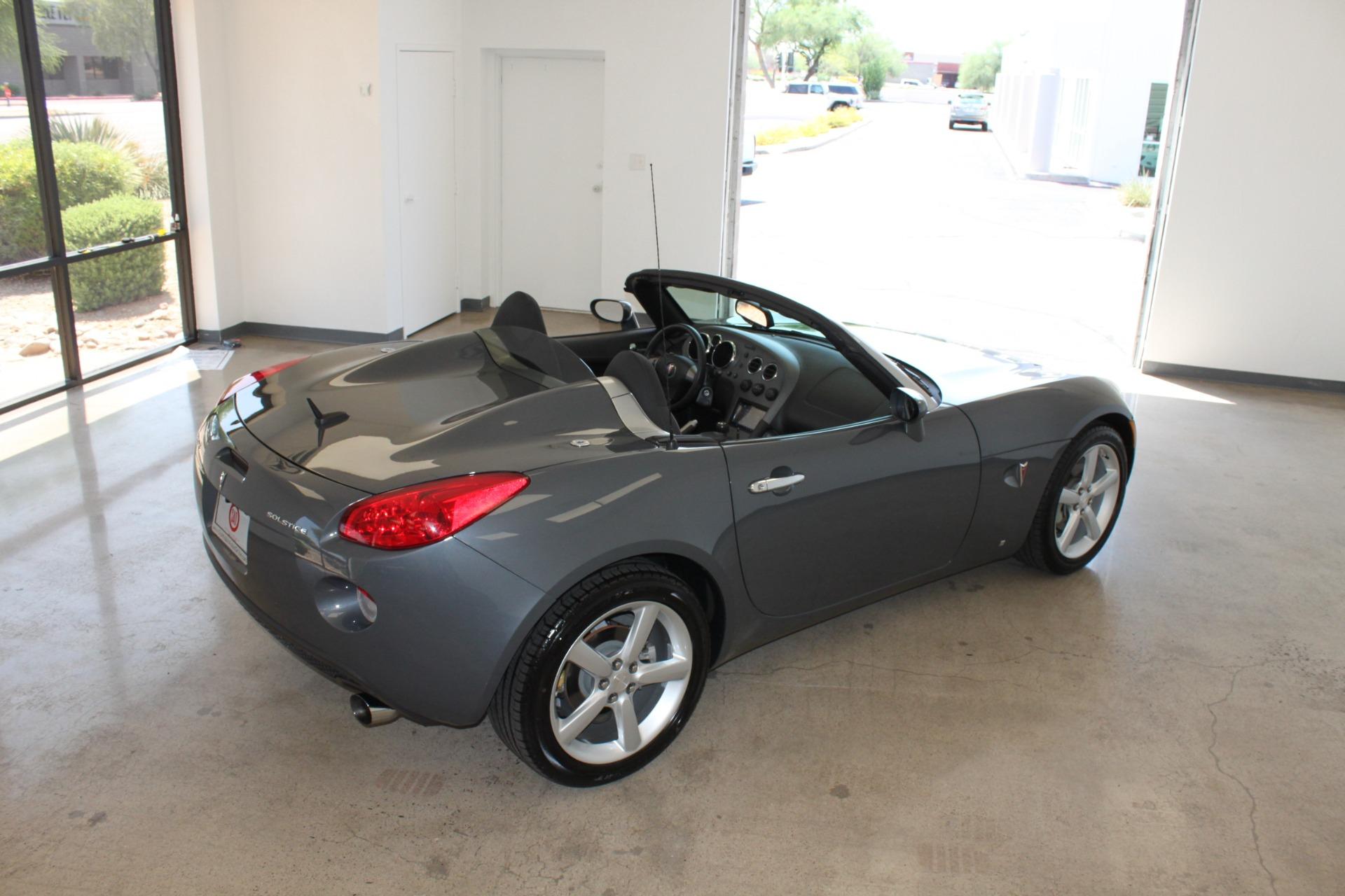 Used-2009-Pontiac-Solstice-Convertible-Jaguar