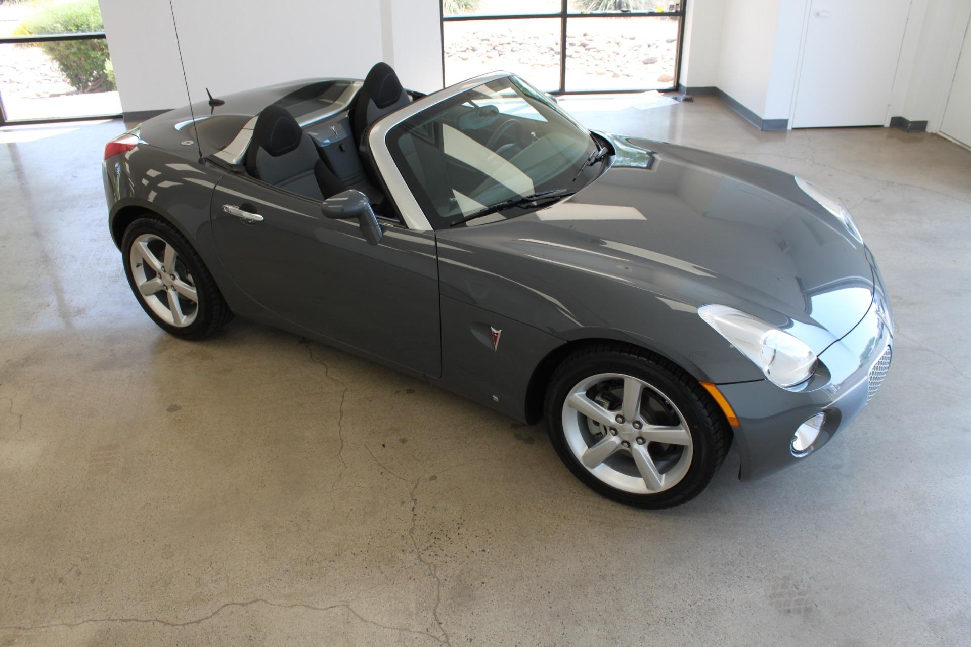 Used-2009-Pontiac-Solstice-Convertible-Ferrari