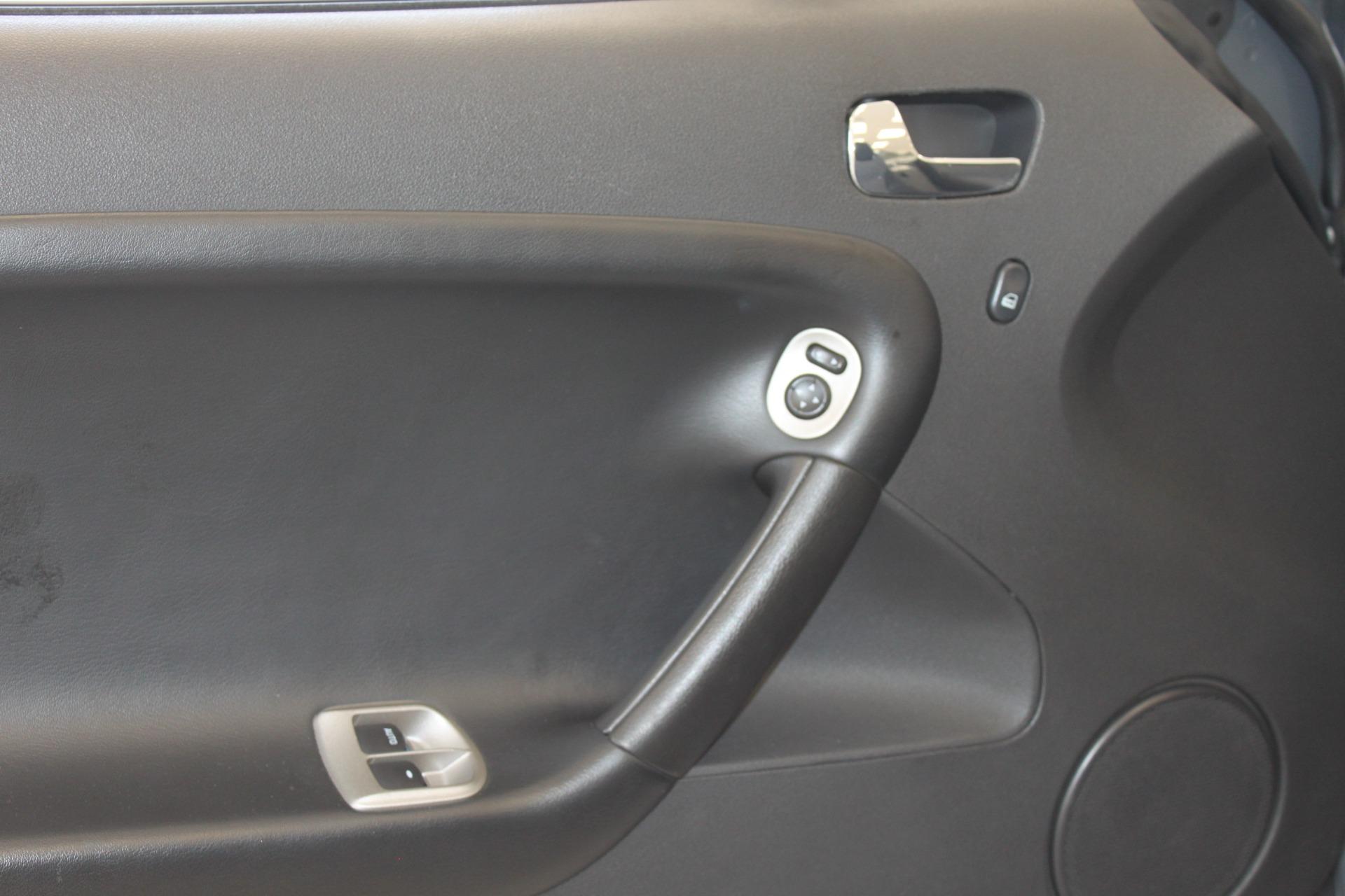 Used-2009-Pontiac-Solstice-Convertible-Wagoneer