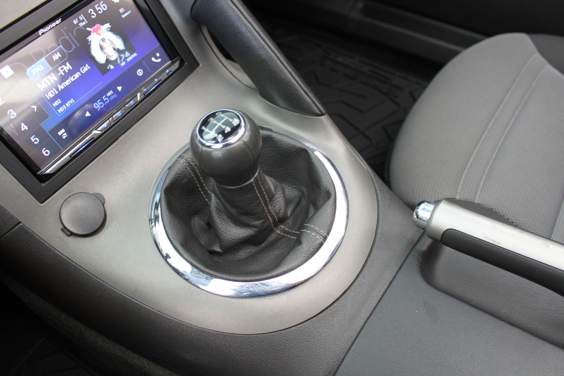 Used-2009-Pontiac-Solstice-Convertible-Acura