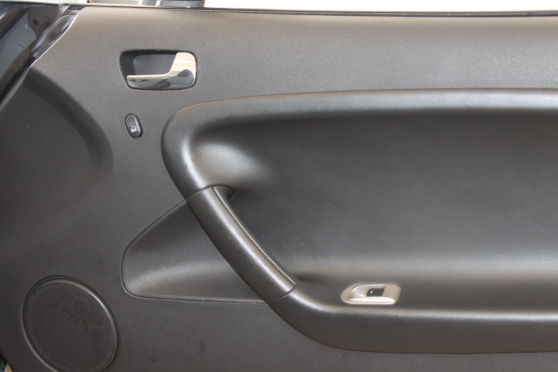 Used-2009-Pontiac-Solstice-Convertible-Dodge