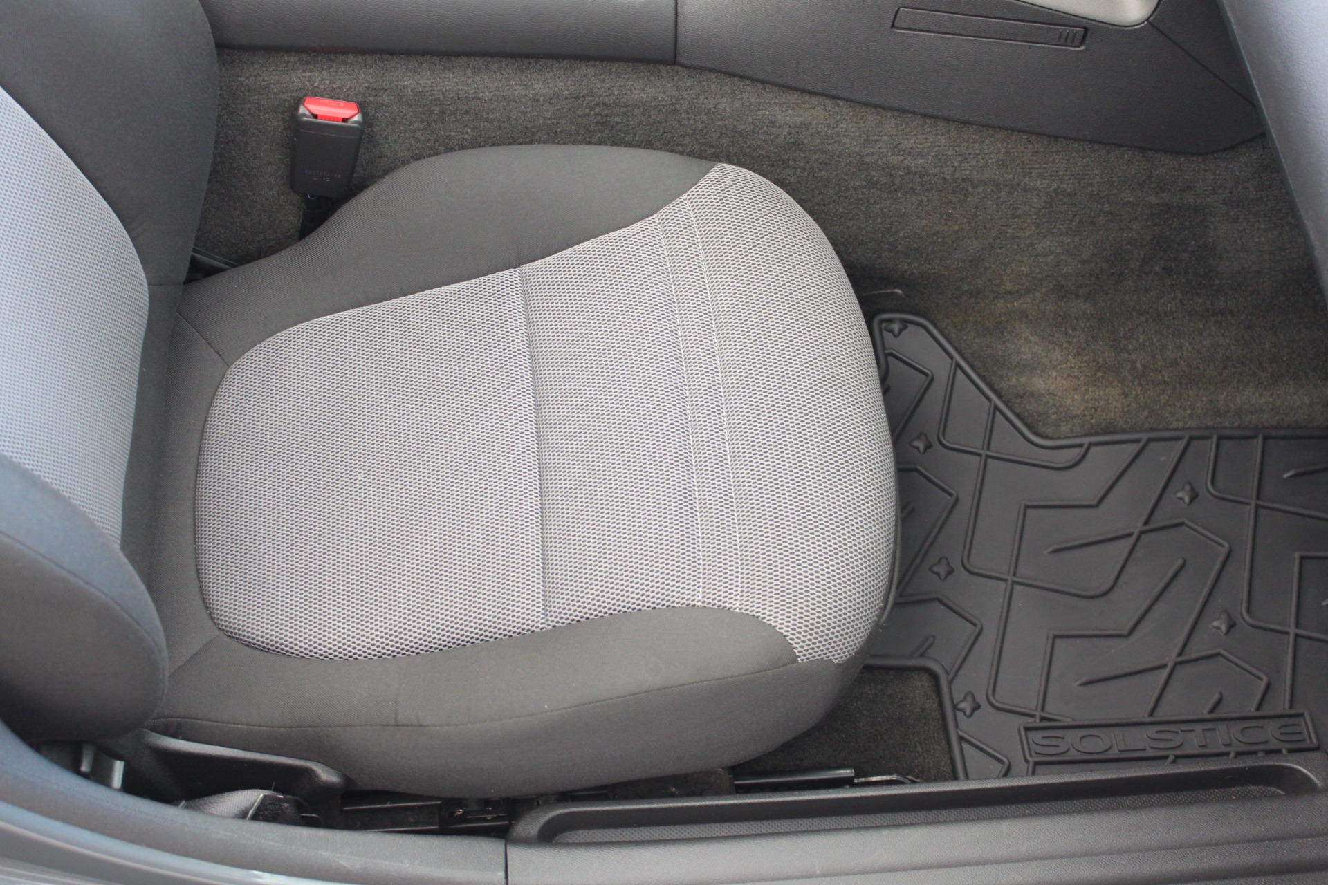 Used-2009-Pontiac-Solstice-Convertible-Fiat