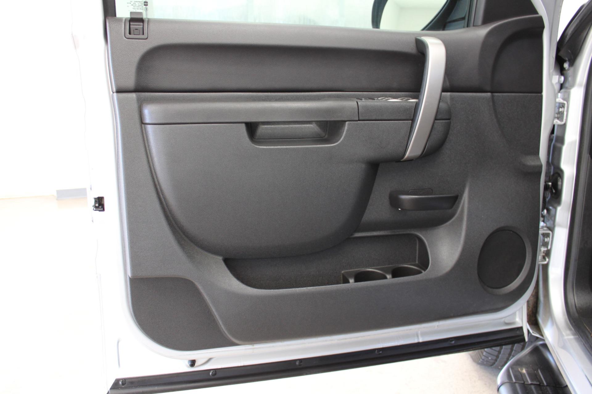Used-2013-GMC-Sierra-1500-SLE-Z71-4X4-Porsche
