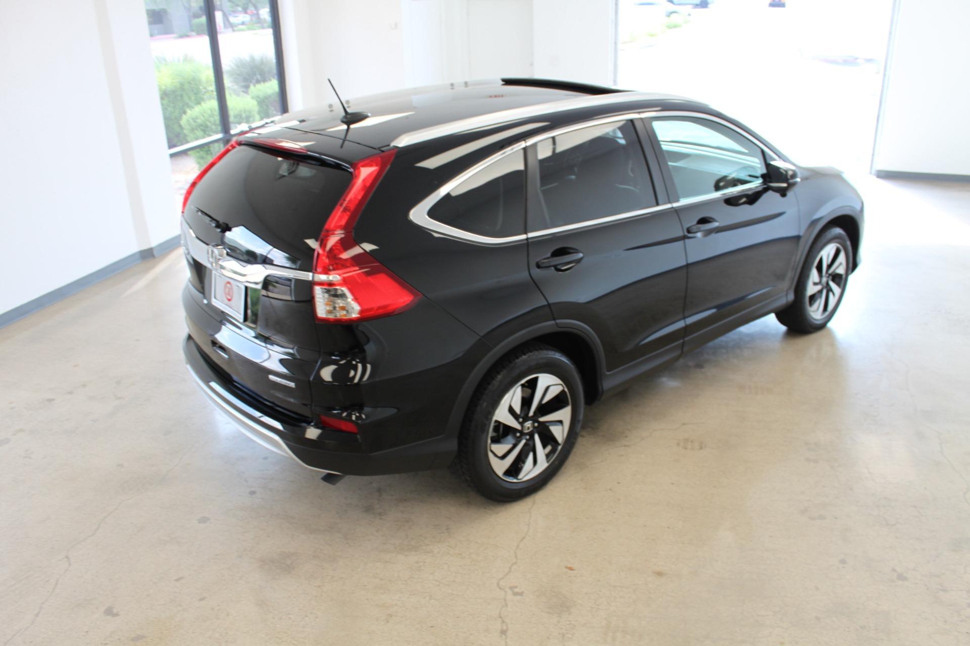 Used-2016-Honda-CR-V-Touring-LS400