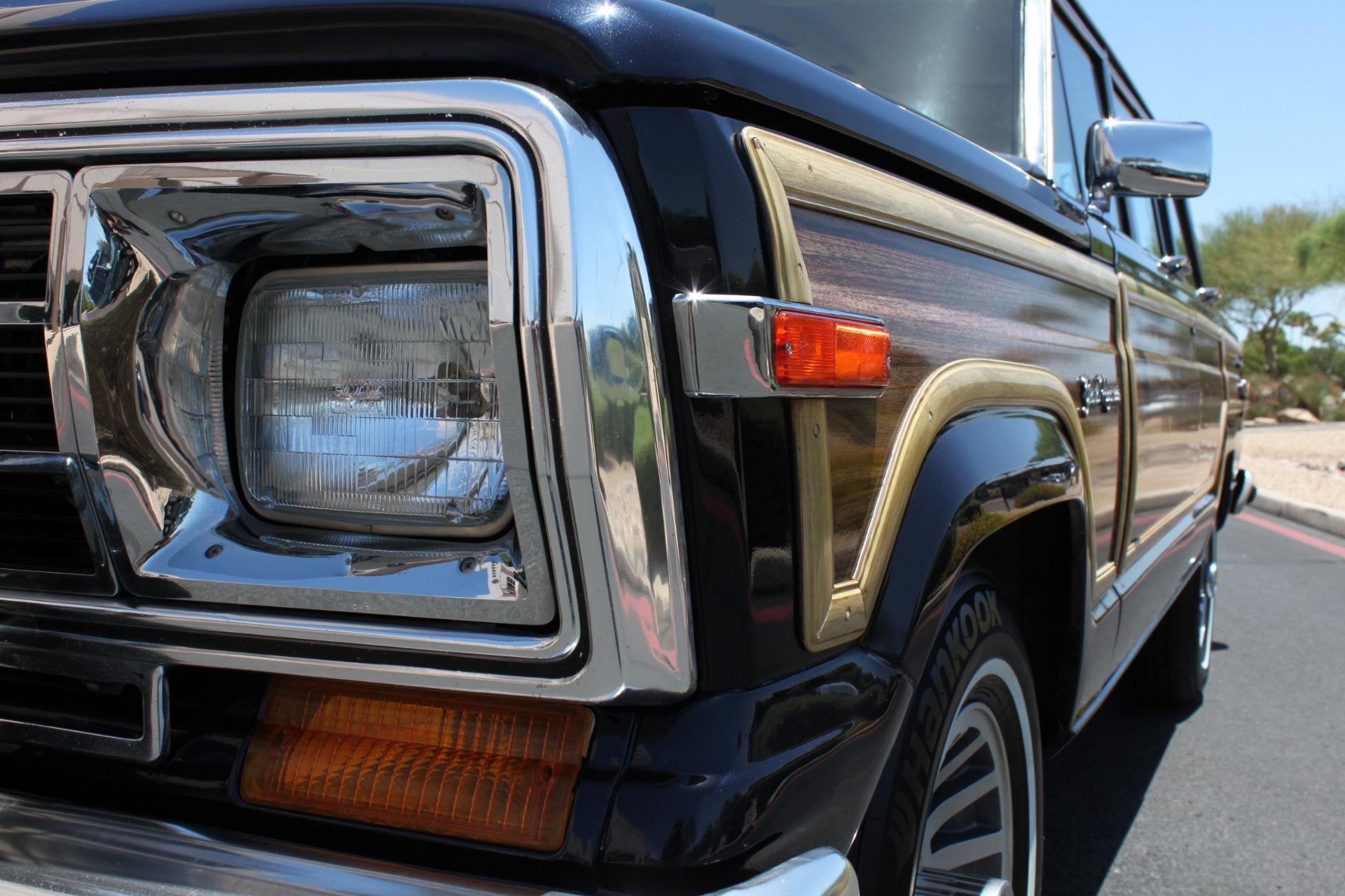 Used-1990-Jeep-Grand-Wagoneer-4X4-Camaro