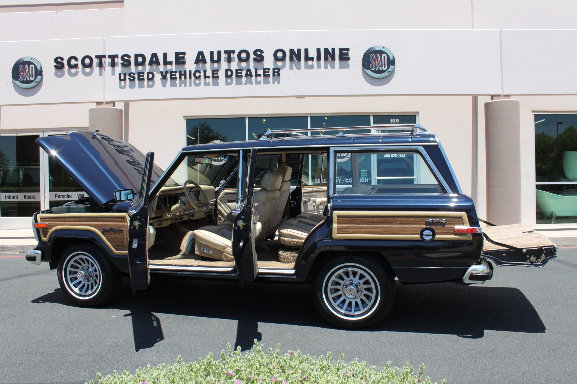 Used-1990-Jeep-Grand-Wagoneer-4X4-Land-Rover