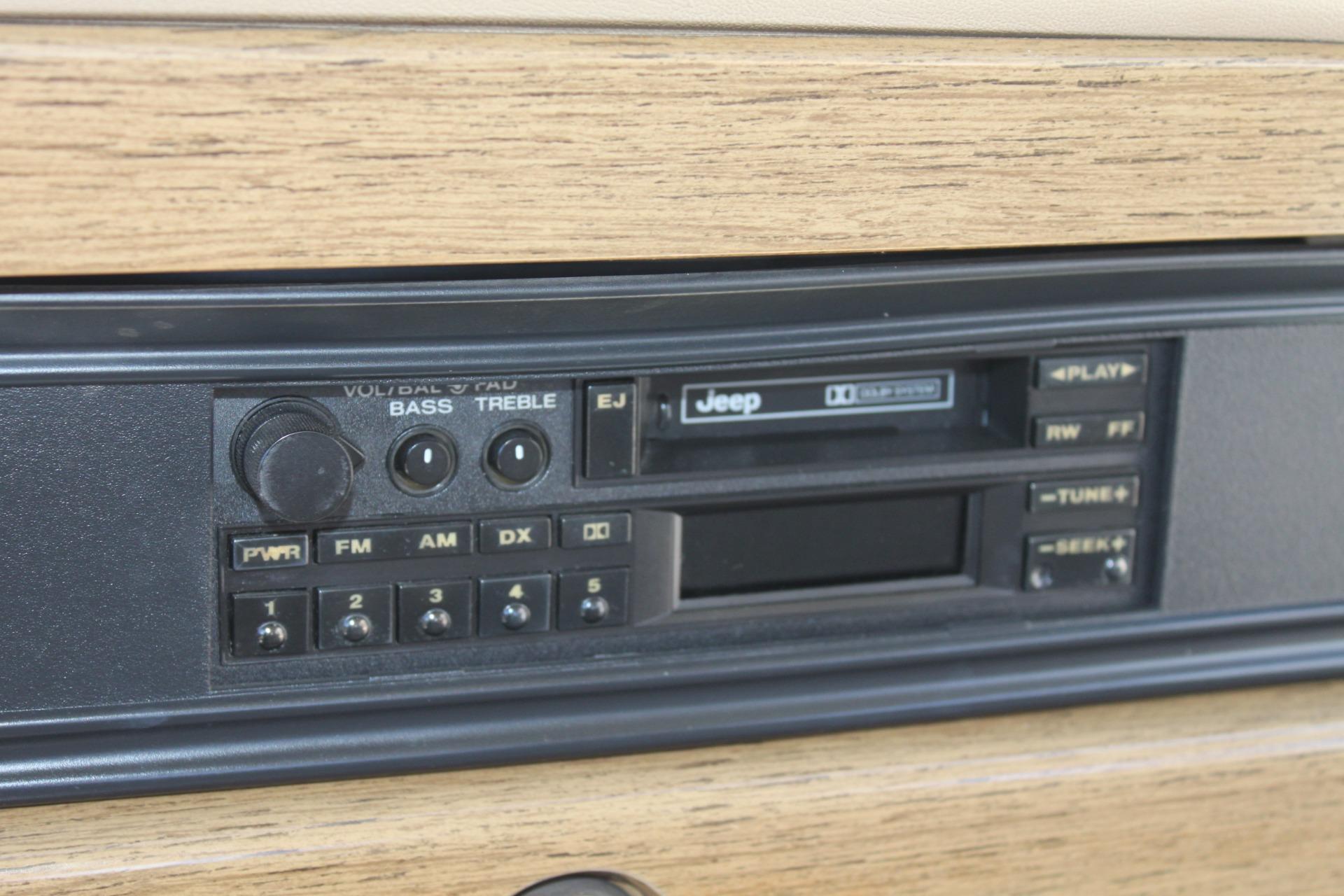 Used-1990-Jeep-Grand-Wagoneer-4X4-Audi