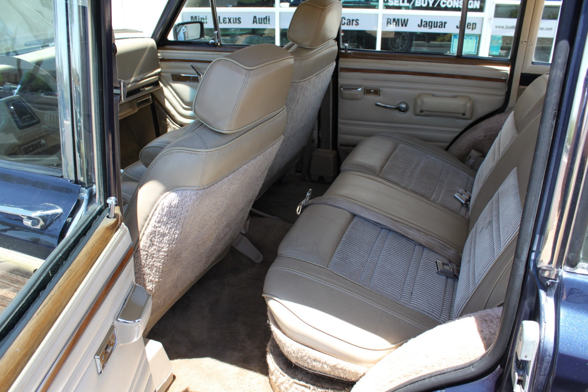 Used-1990-Jeep-Grand-Wagoneer-4X4-Chevelle