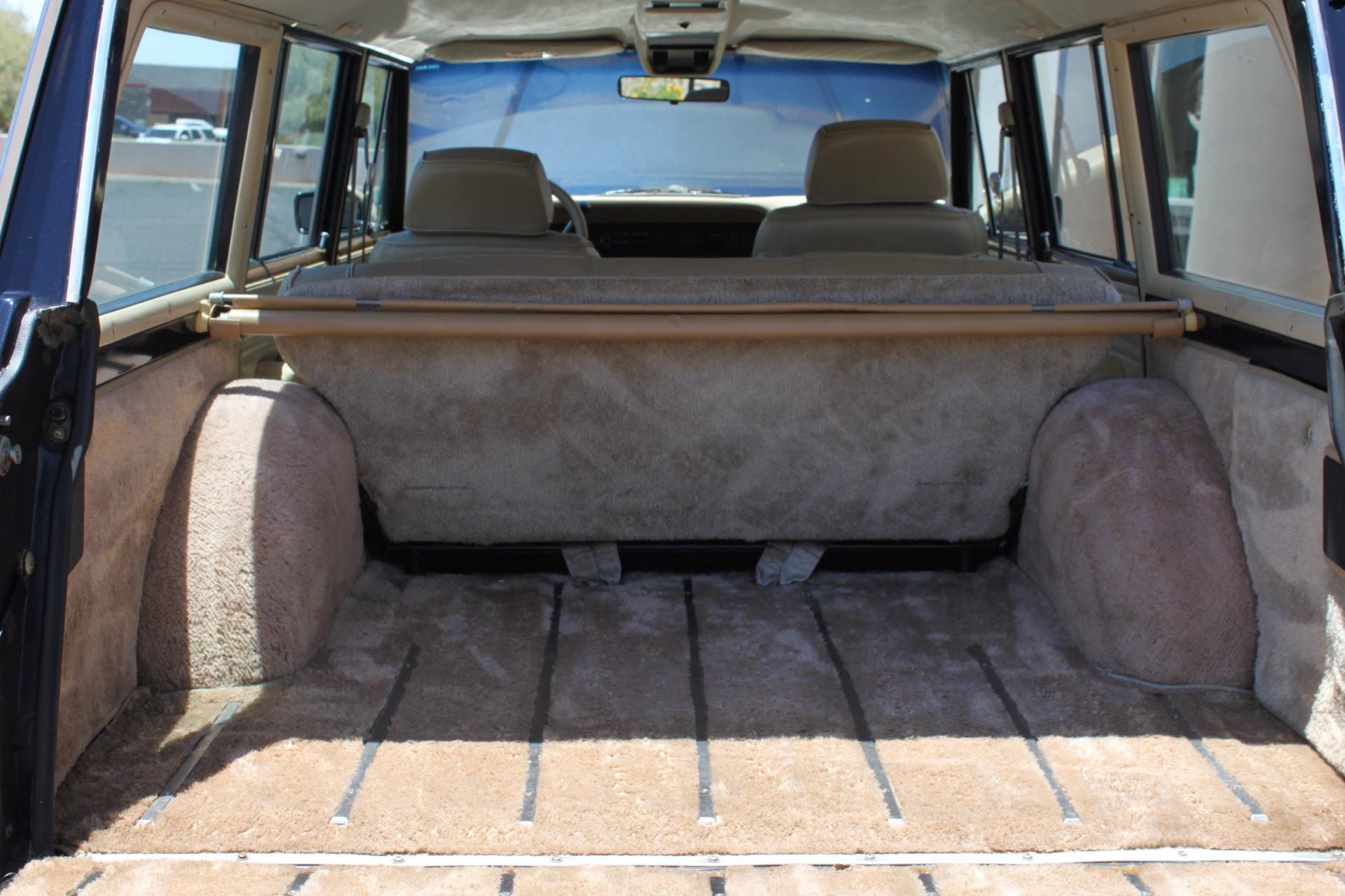 Used-1990-Jeep-Grand-Wagoneer-4X4-Land-Cruiser
