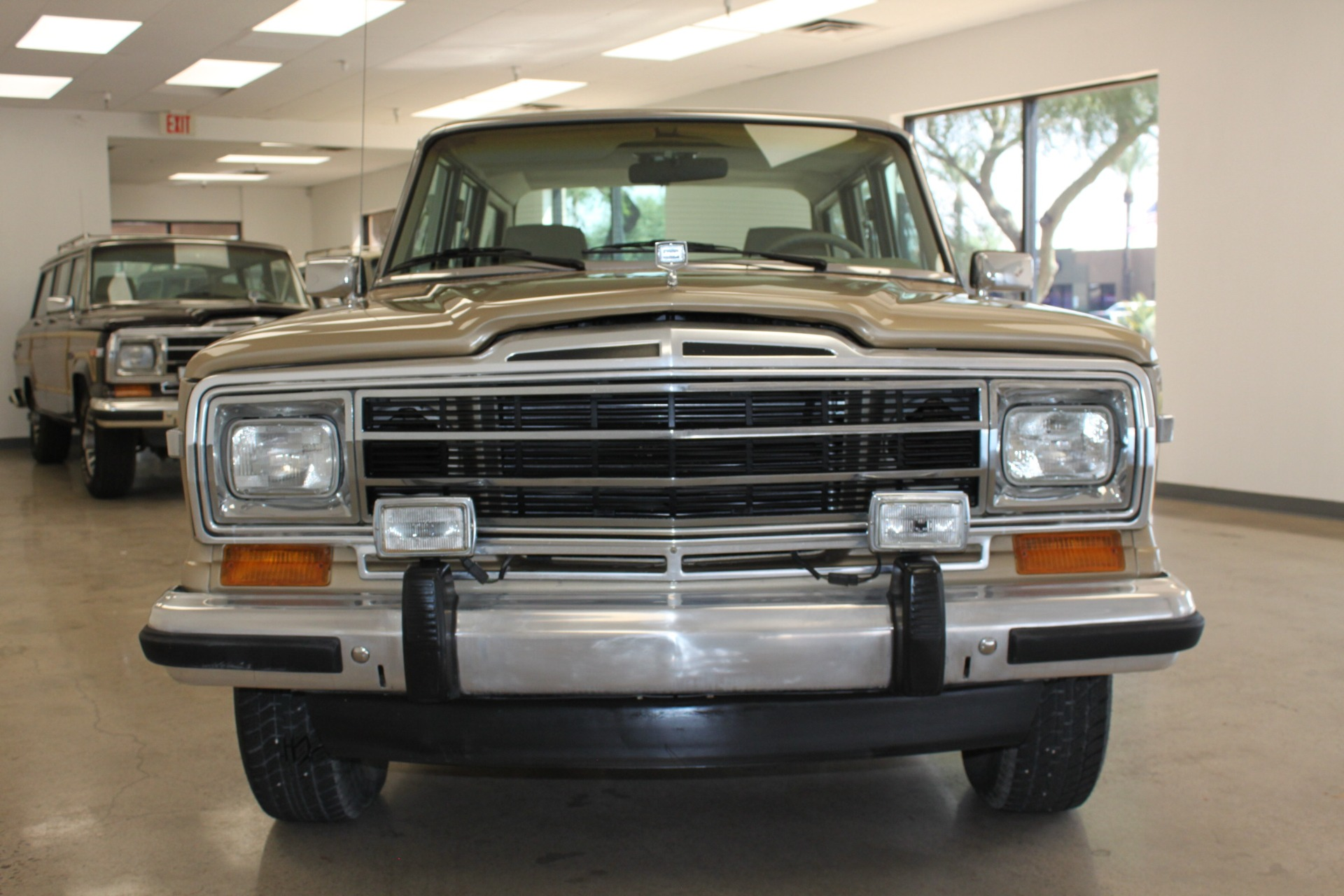 Used-1990-Jeep-Grand-Wagoneer-Wrangler