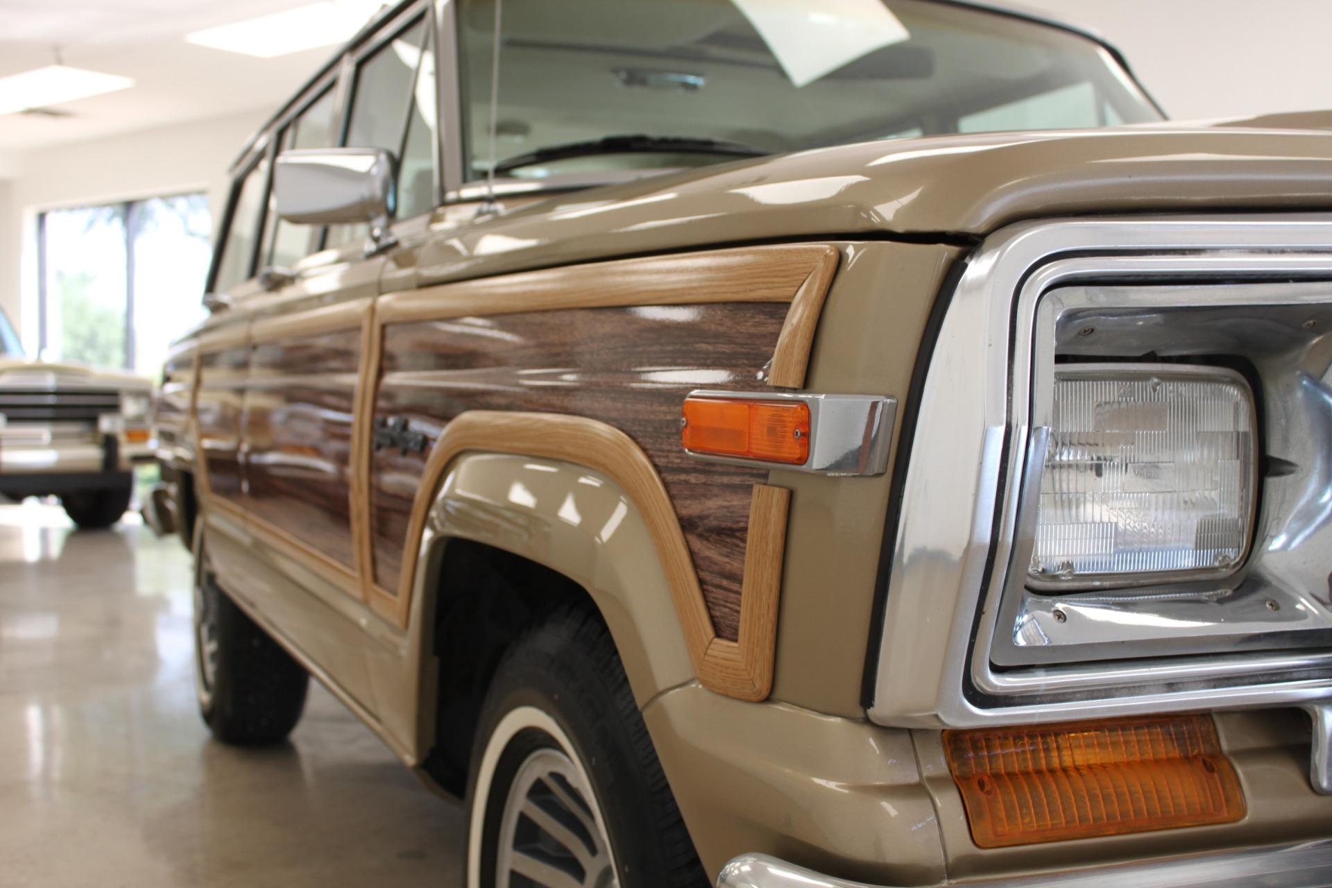 Used-1990-Jeep-Grand-Wagoneer-Cherokee