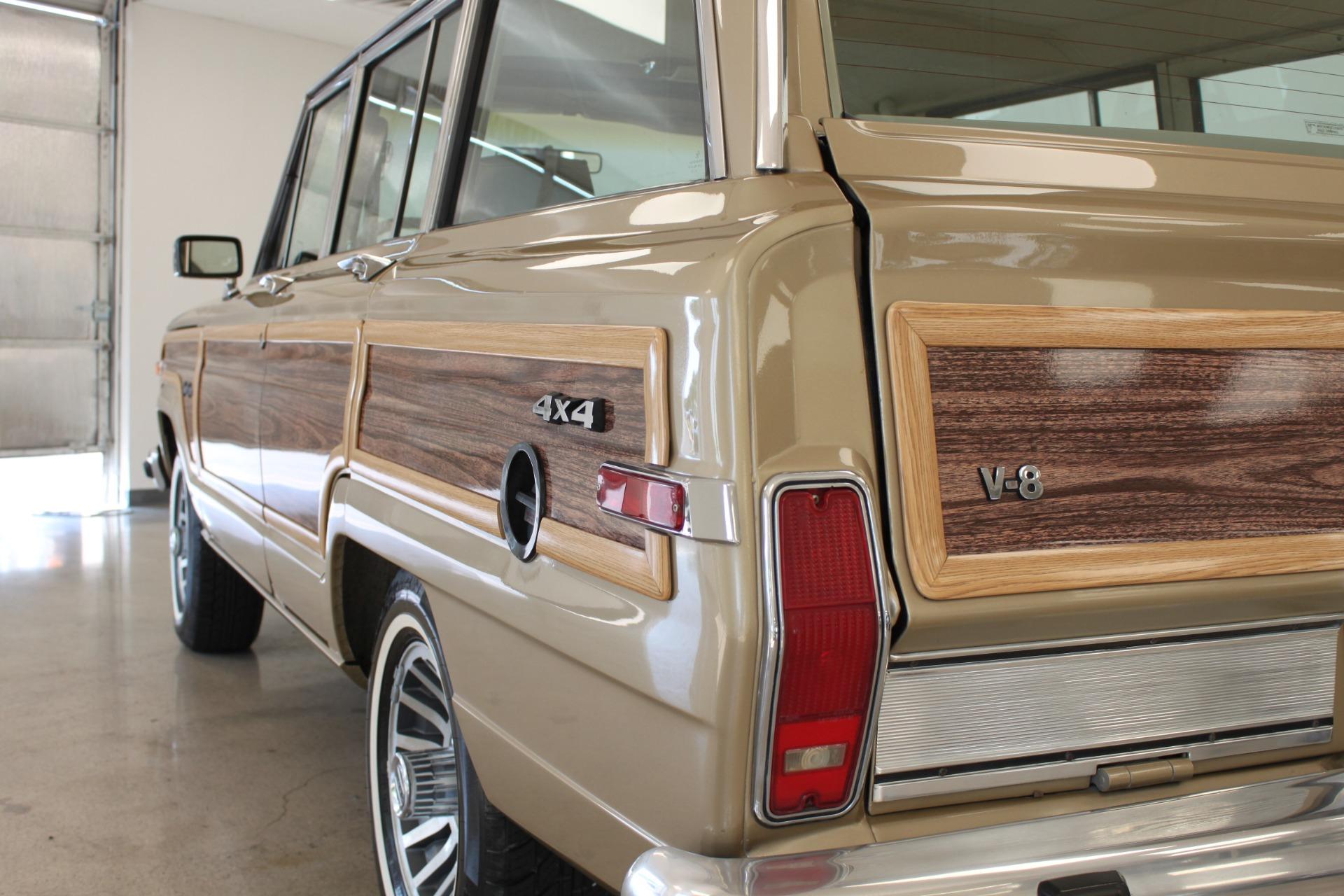 Used-1990-Jeep-Grand-Wagoneer-Acura