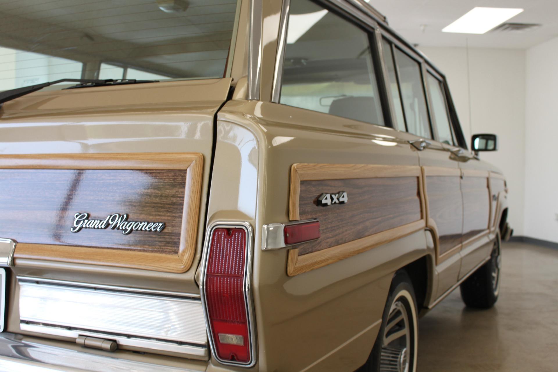 Used-1990-Jeep-Grand-Wagoneer-Lexus
