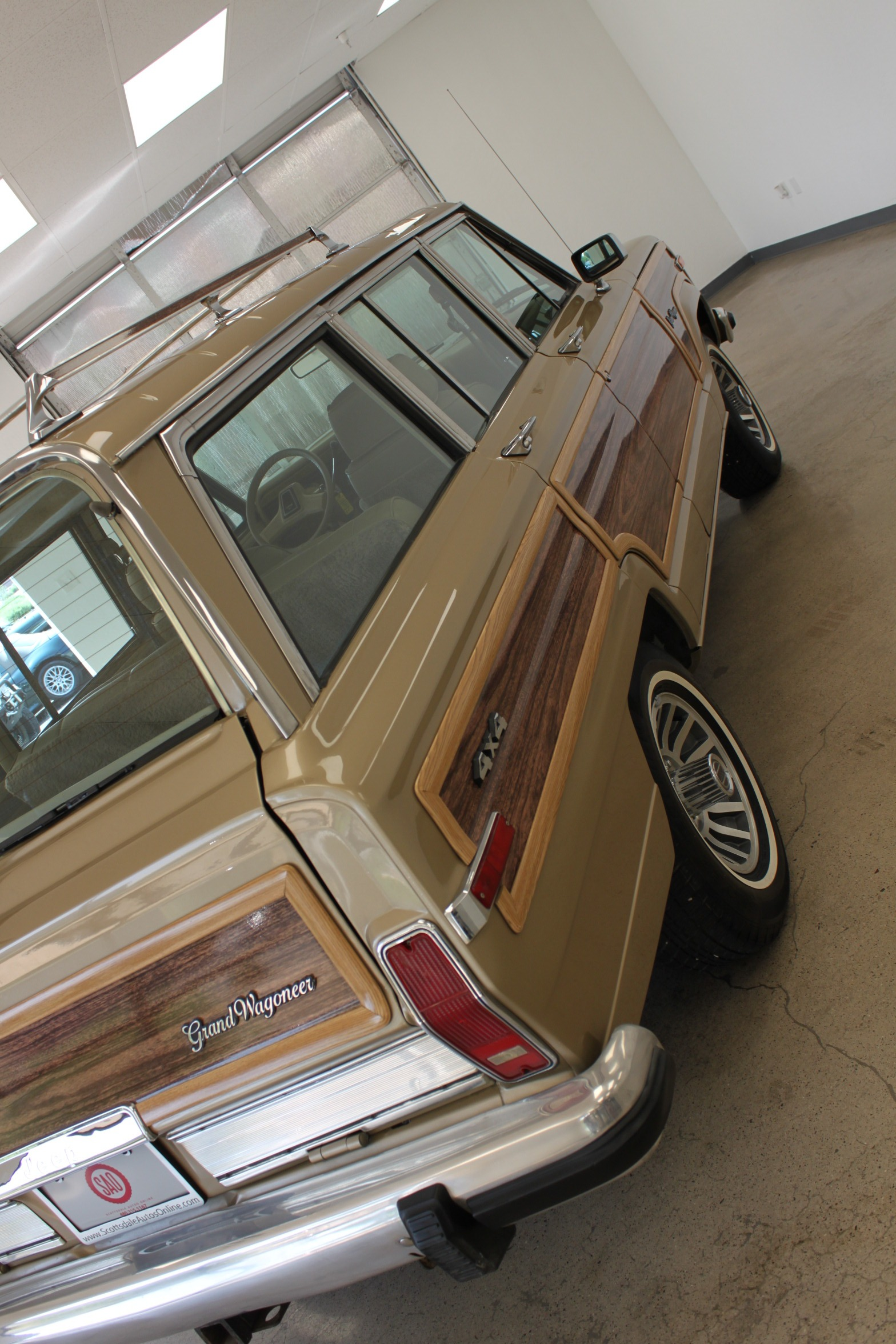 Used-1990-Jeep-Grand-Wagoneer-Chevrolet