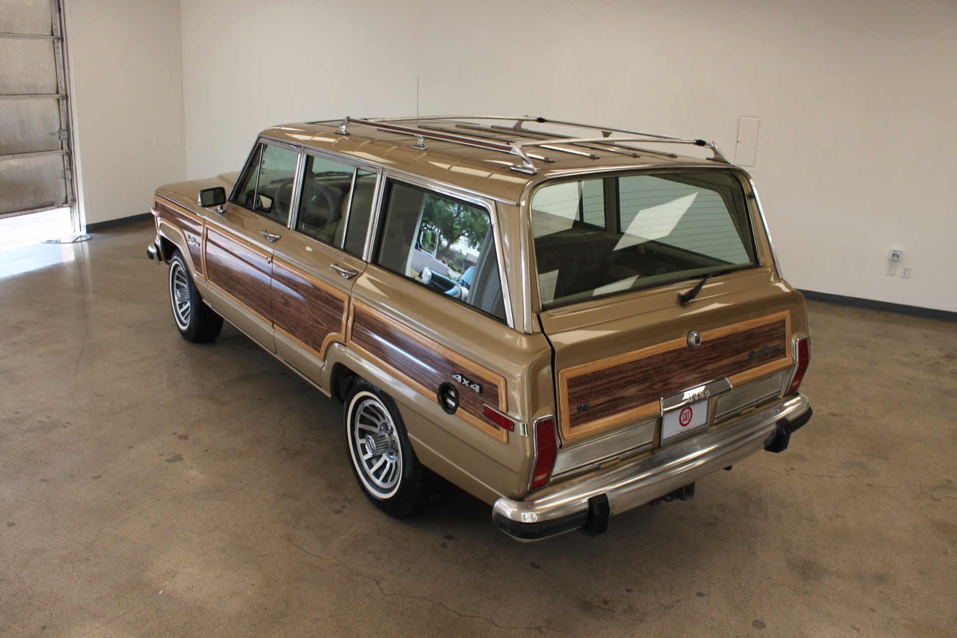 Used-1990-Jeep-Grand-Wagoneer-Chevelle