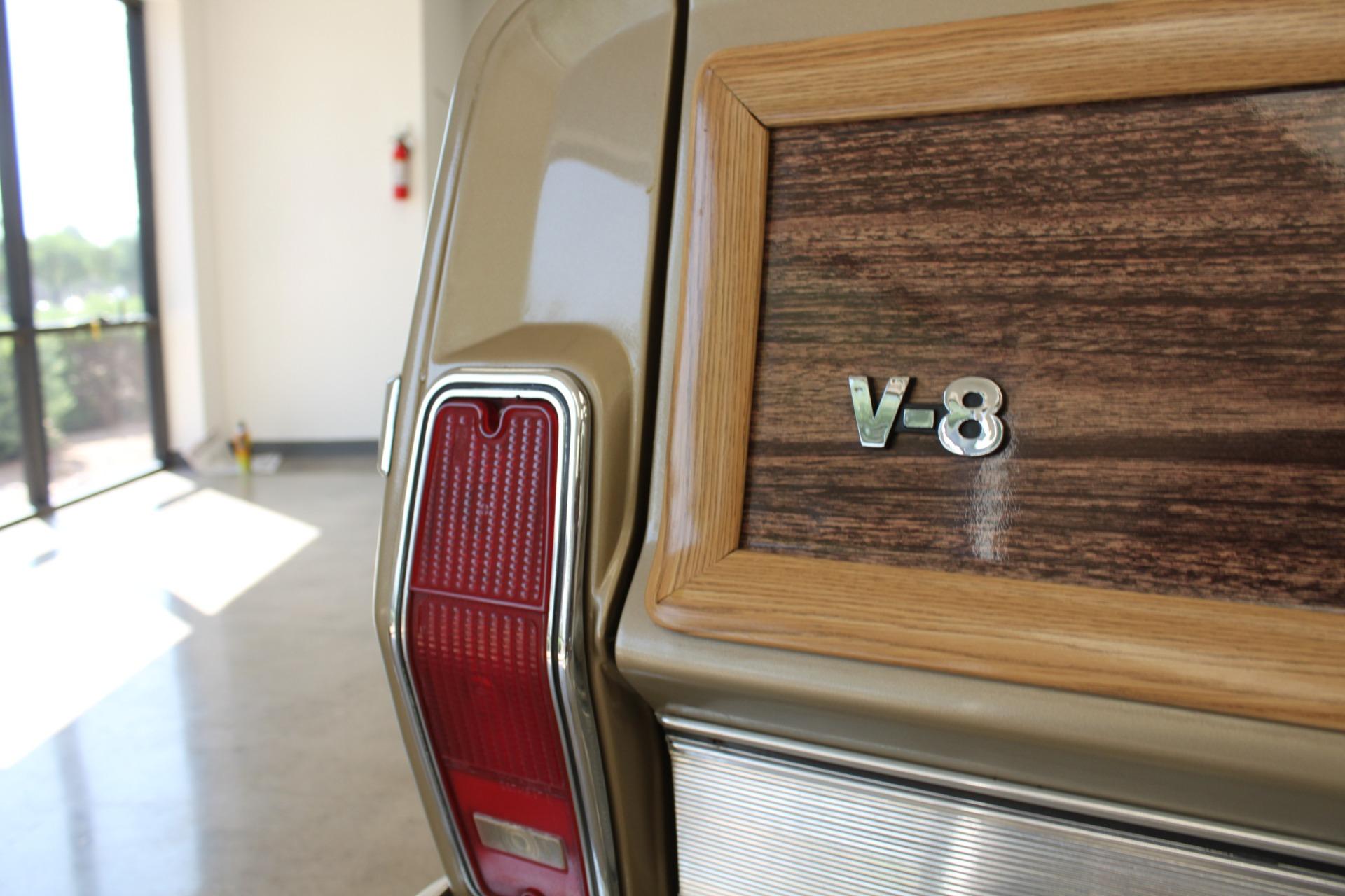 Used-1990-Jeep-Grand-Wagoneer-Lincoln