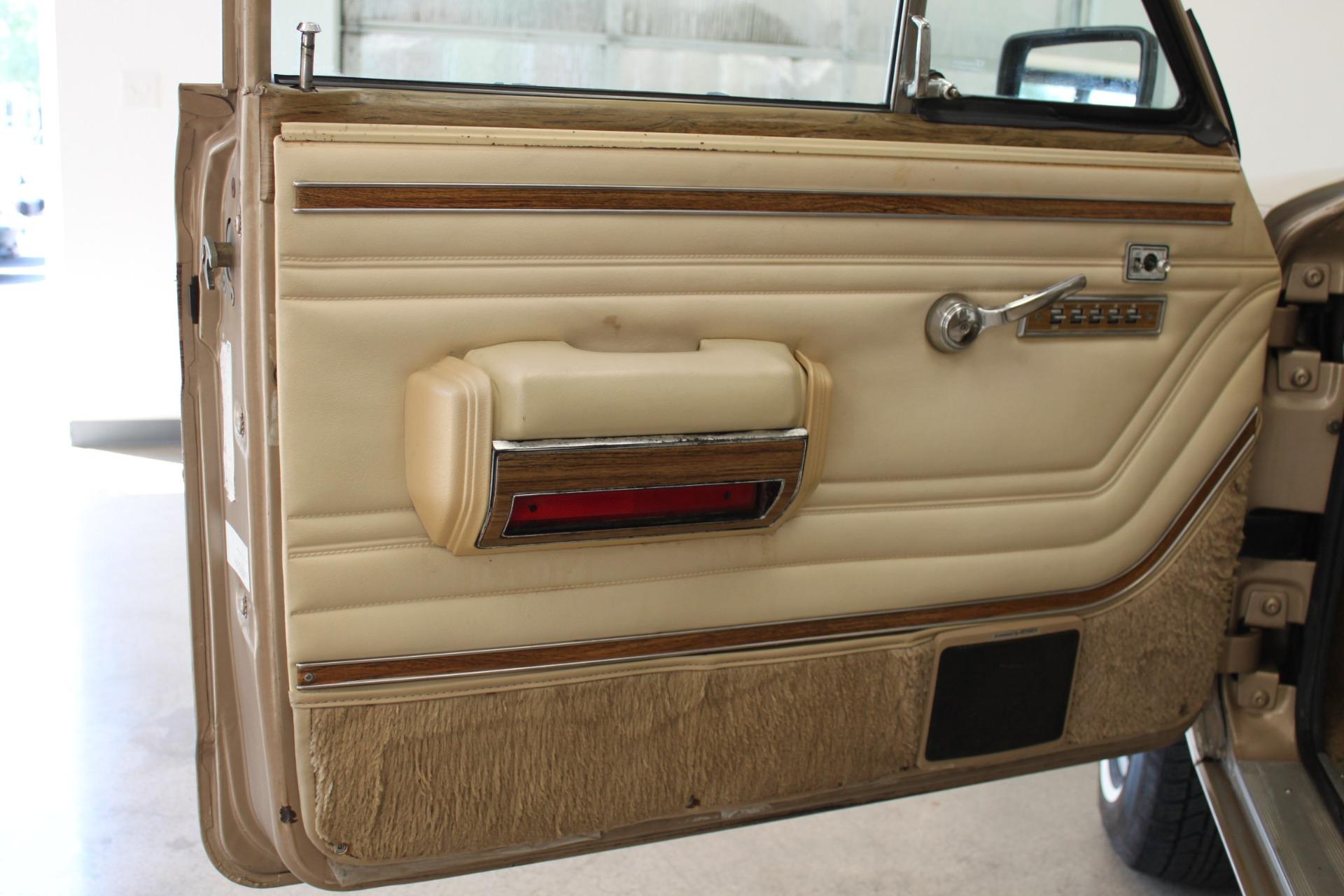 Used-1990-Jeep-Grand-Wagoneer-Wagoneer