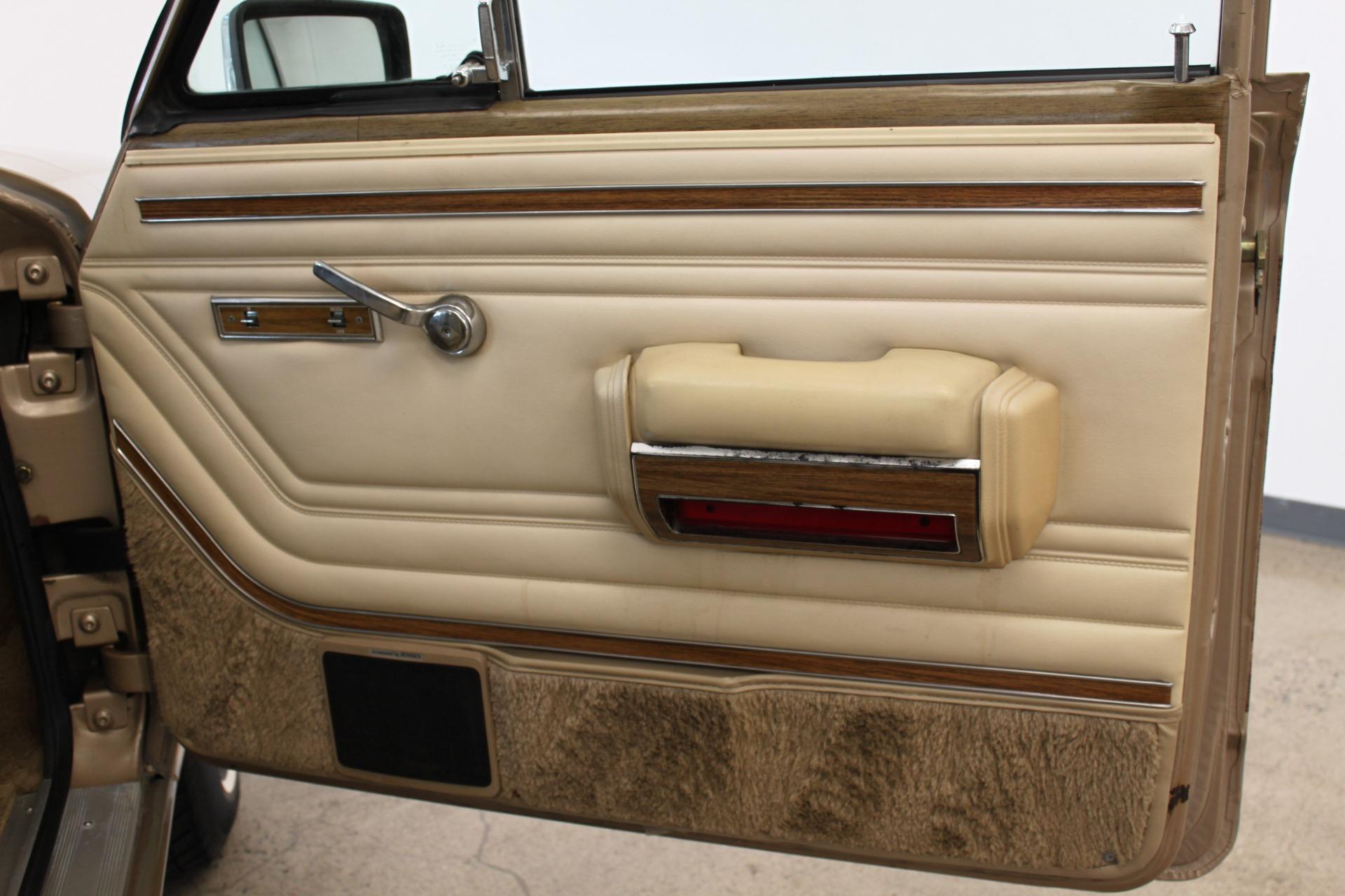 Used-1990-Jeep-Grand-Wagoneer-Alfa-Romeo