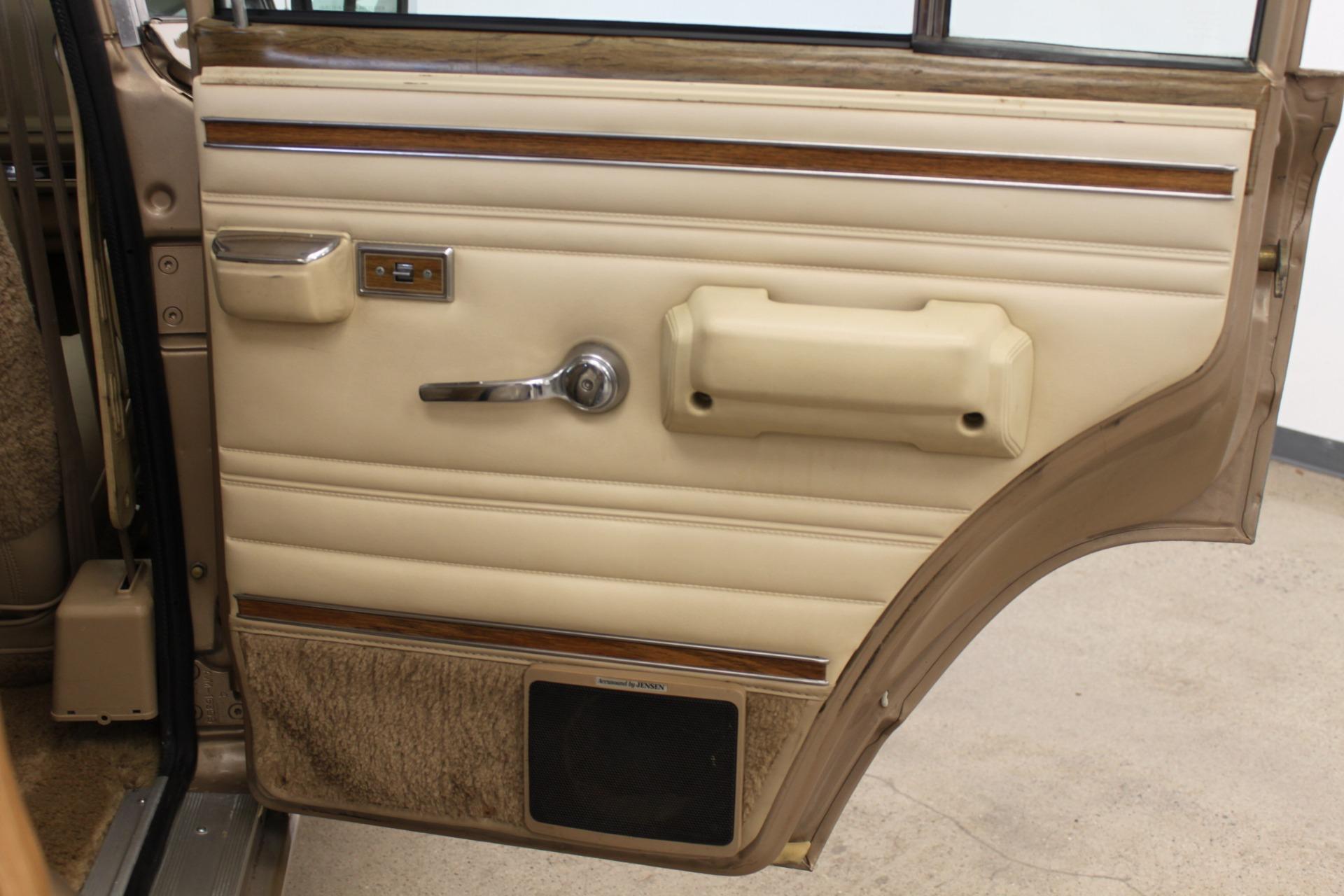 Used-1990-Jeep-Grand-Wagoneer-XJ