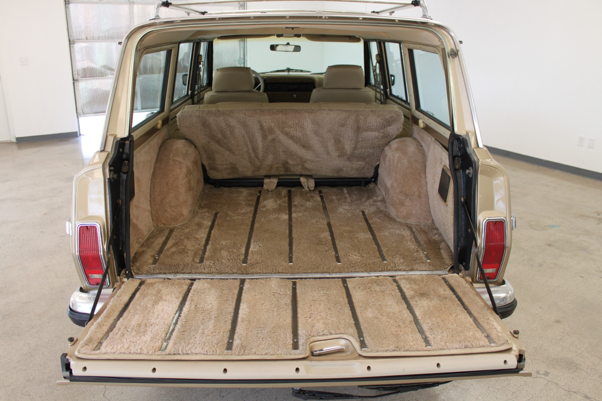 Used-1990-Jeep-Grand-Wagoneer-Land-Rover