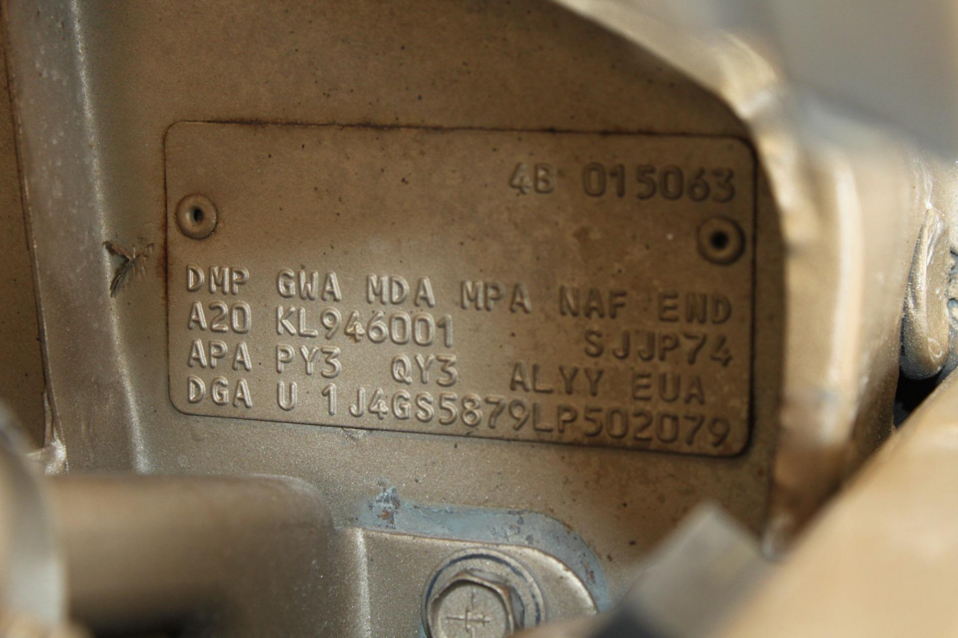 Used-1990-Jeep-Grand-Wagoneer-vintage