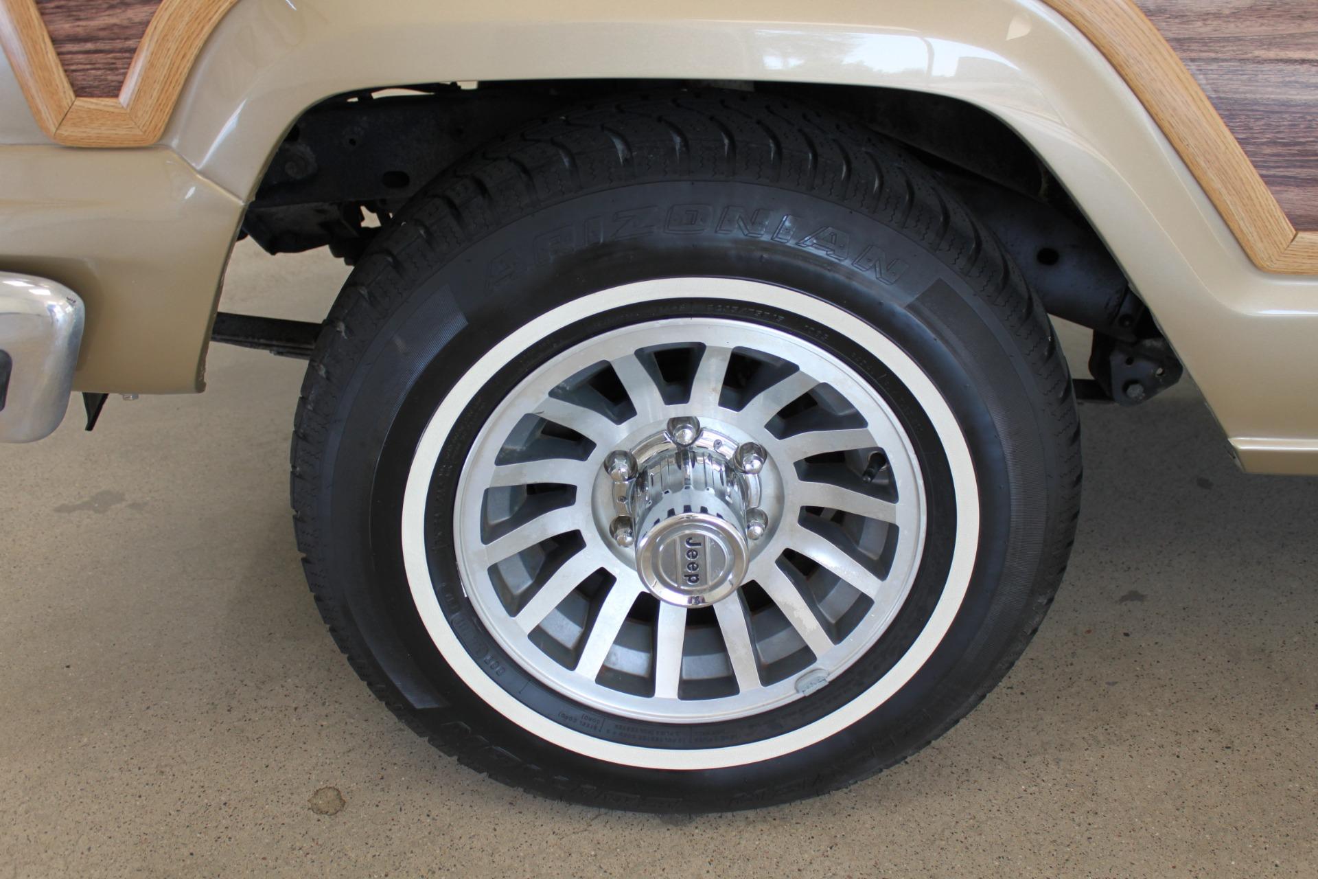Used-1990-Jeep-Grand-Wagoneer-Chrysler