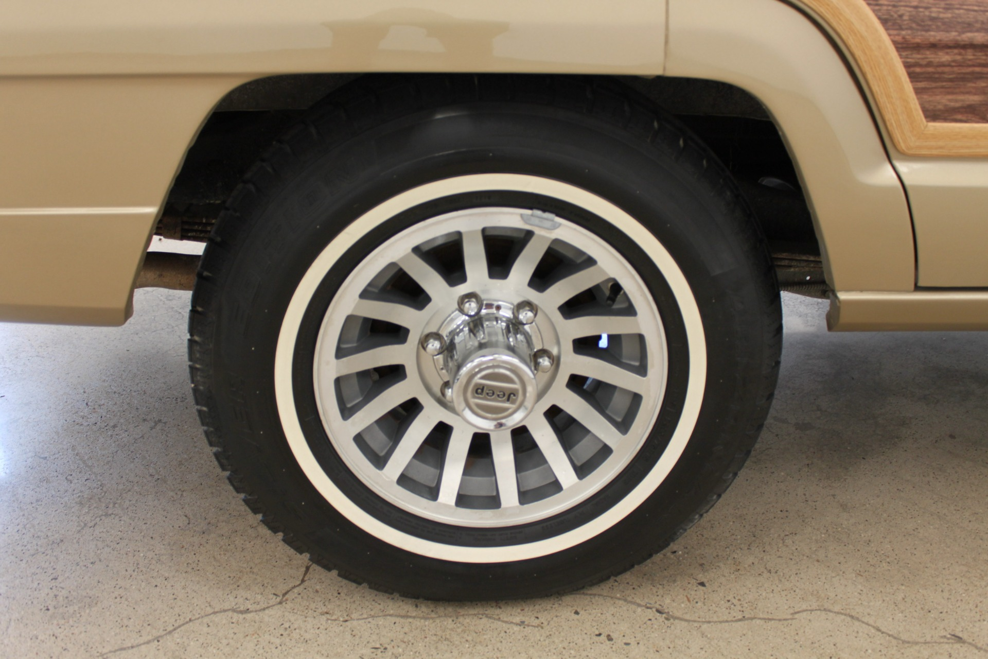 Used-1990-Jeep-Grand-Wagoneer-Audi