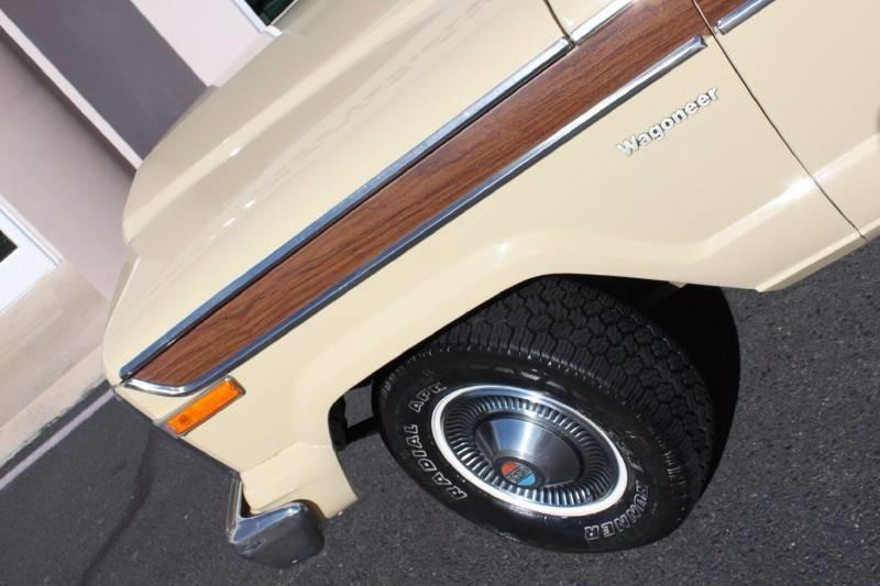 Used-1979-Jeep-Wagoneer-Brougham-4X4-New-cars-for-sale-Gurnee