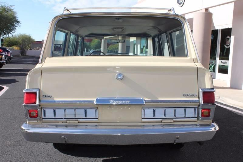 Used-1979-Jeep-Wagoneer-Brougham-4X4-New-use-car-dealer-IL