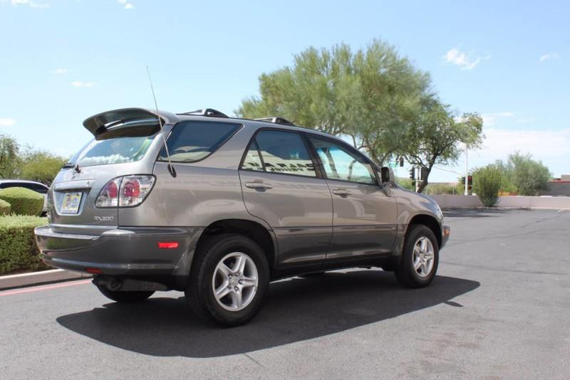 Used-2001-Lexus-RX-300-All-Wheel-Drive-1-Owner-Used-car-deals-Lake-County-IL