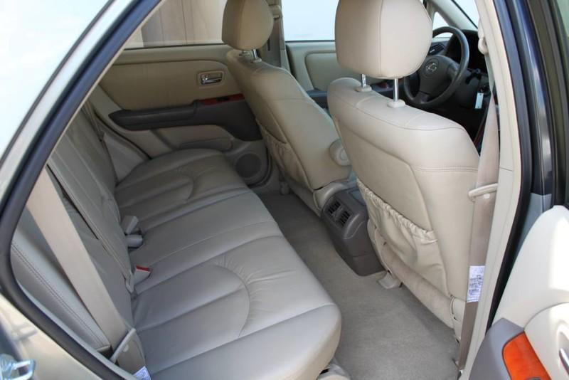 Used-2001-Lexus-RX-300-All-Wheel-Drive-1-Owner-Luxury-Cars-Lake-County