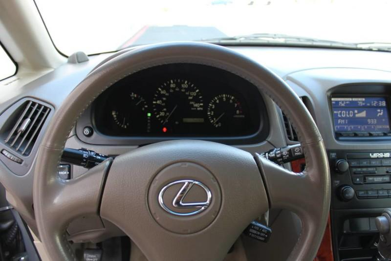 Used-2001-Lexus-RX-300-All-Wheel-Drive-1-Owner-Classic