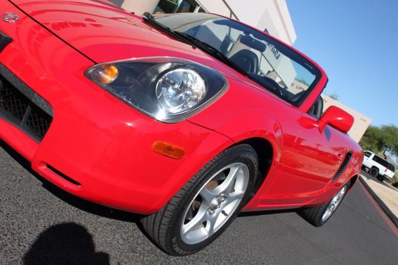 Used-2000-Toyota-MR2-Spyder-Cherokee