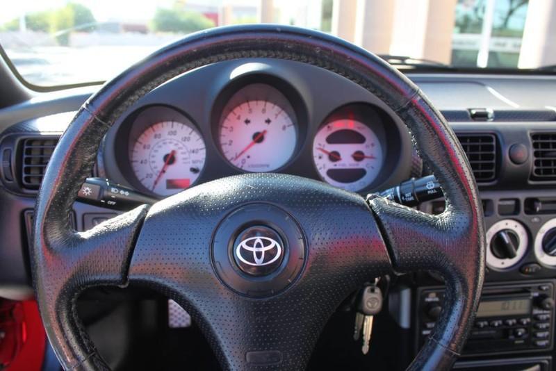 Used-2000-Toyota-MR2-Spyder-Chalenger