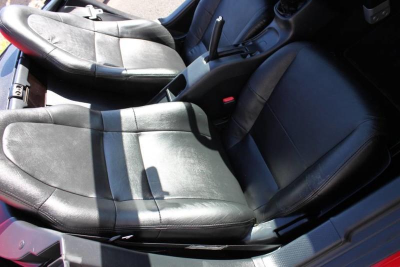 Used-2000-Toyota-MR2-Spyder-LS430