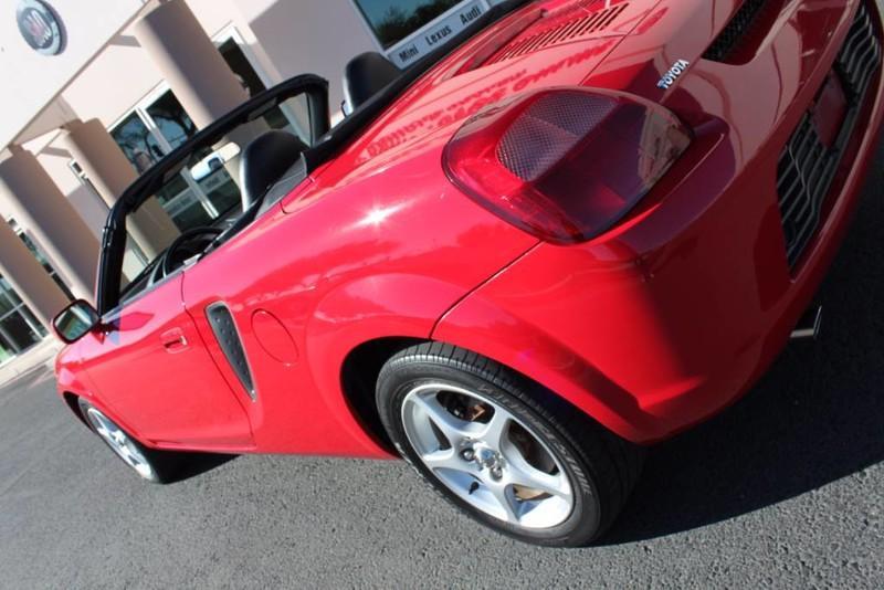 Used-2000-Toyota-MR2-Spyder-Ferrari