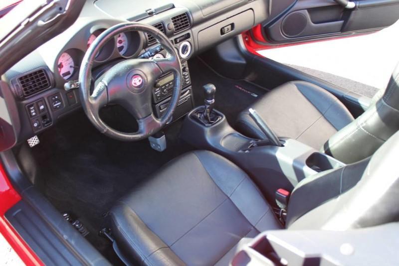 Used-2000-Toyota-MR2-Spyder-vintage