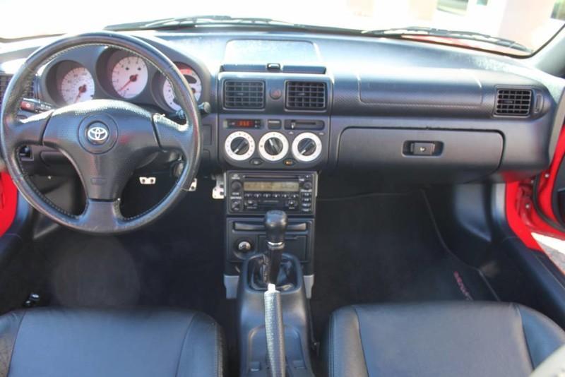 Used-2000-Toyota-MR2-Spyder-BMW
