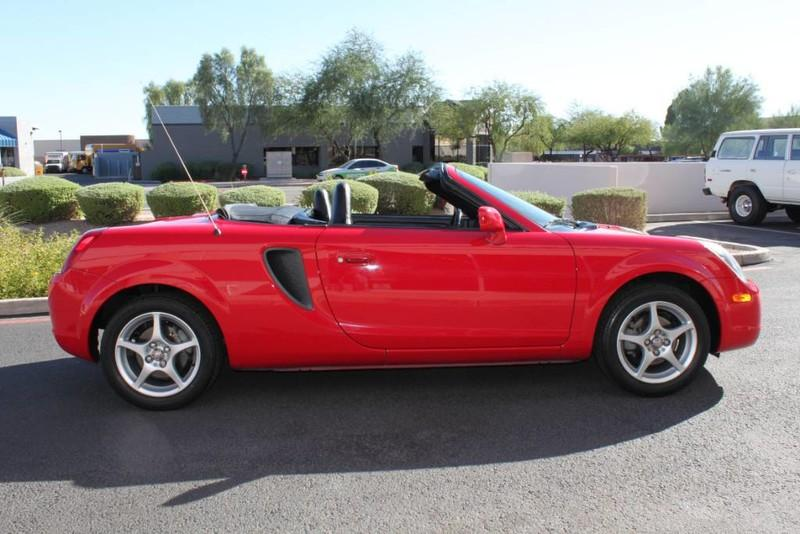 Used-2000-Toyota-MR2-Spyder-New-Mercedes-Benz