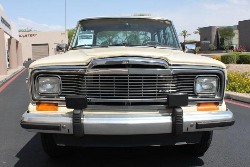 Used-1984-Jeep-Grand-Wagoneer-Limited-4X4-Wrangler
