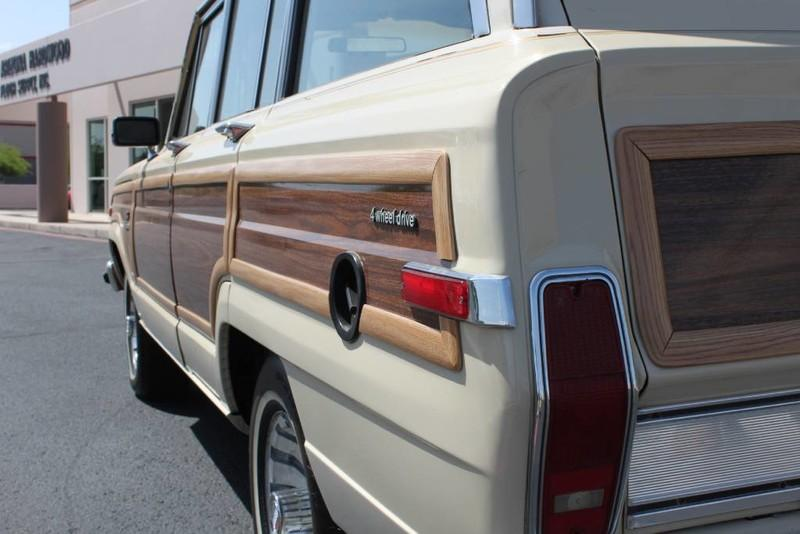 Used-1984-Jeep-Grand-Wagoneer-Limited-4X4-Chalenger