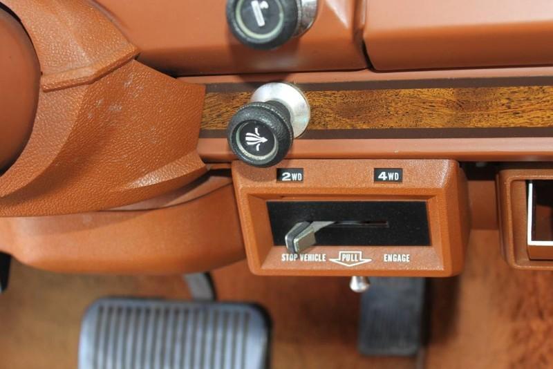 Used-1984-Jeep-Grand-Wagoneer-Limited-4X4-LS430