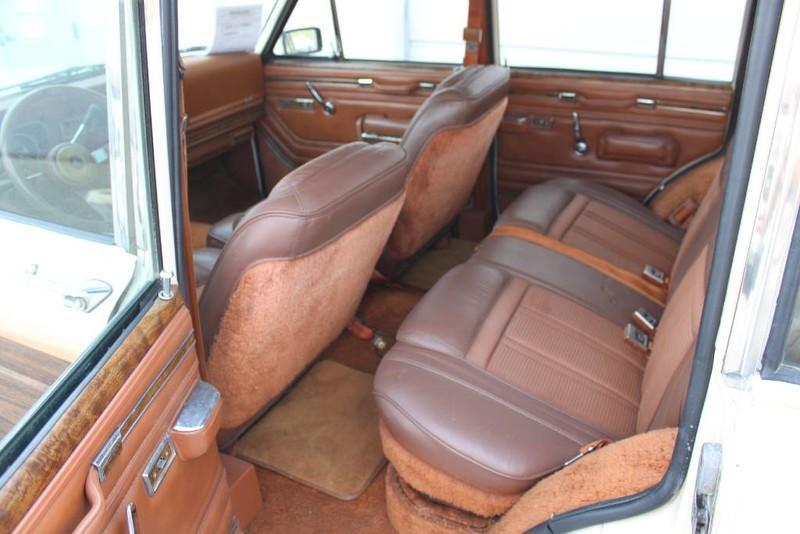 Used-1984-Jeep-Grand-Wagoneer-Limited-4X4-Mini