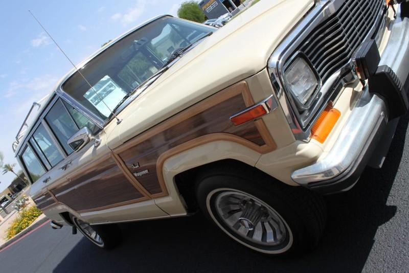 Used-1984-Jeep-Grand-Wagoneer-Limited-4X4-Lamborghini