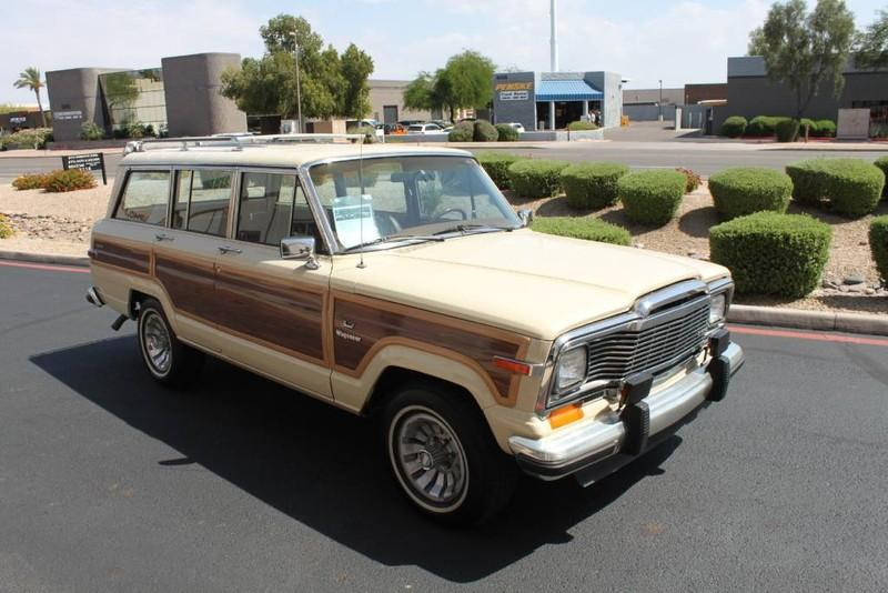 Used-1984-Jeep-Grand-Wagoneer-Limited-4X4-Land-Rover