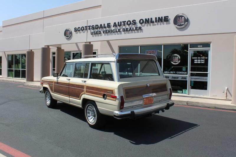 Used-1984-Jeep-Grand-Wagoneer-Limited-4X4-Range-Rover