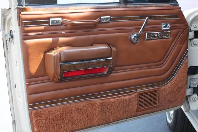 Used-1984-Jeep-Grand-Wagoneer-Limited-4X4-Audi