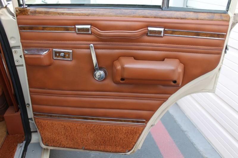 Used-1984-Jeep-Grand-Wagoneer-Limited-4X4-Land-Cruiser